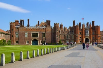 The outside of Hampton Court Palace