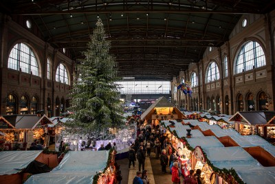 The Christmas market in Zurich's main train station