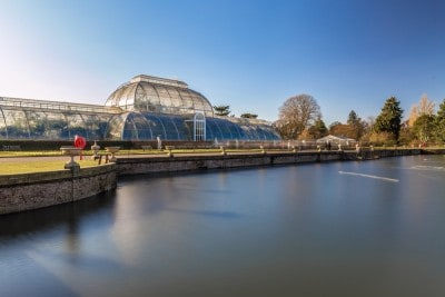 The Palm House with the lake in front of it