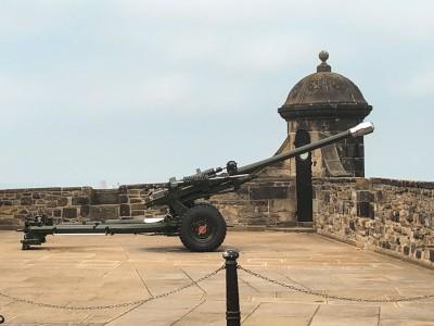 The One o'clock gun in Edinburgh Castle
